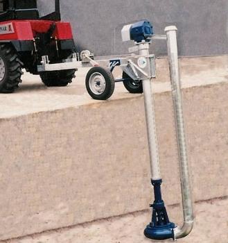 Ciągnikowa, pionowa pompownia odśrodkowa do gnojowicy